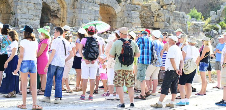 Sati Tour Guide with Tourists